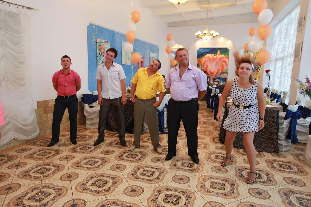 Очень весёлый конкурс, у некоторых гостей волосы дыбом становятся - фото 3158943 Весёлая ведущая на свадьбу