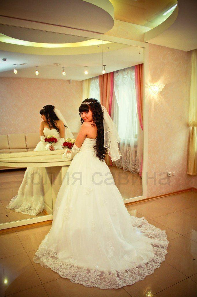 Нежное платье с шикарным кружевом и шлейфом! - фото 14892576 Свадебный салон Юлии Савиной