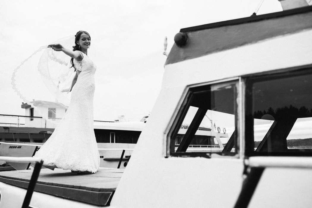 Элегантное платье с открытой спинкой на невесте Анастасии! - фото 14892624 Свадебный салон Юлии Савиной