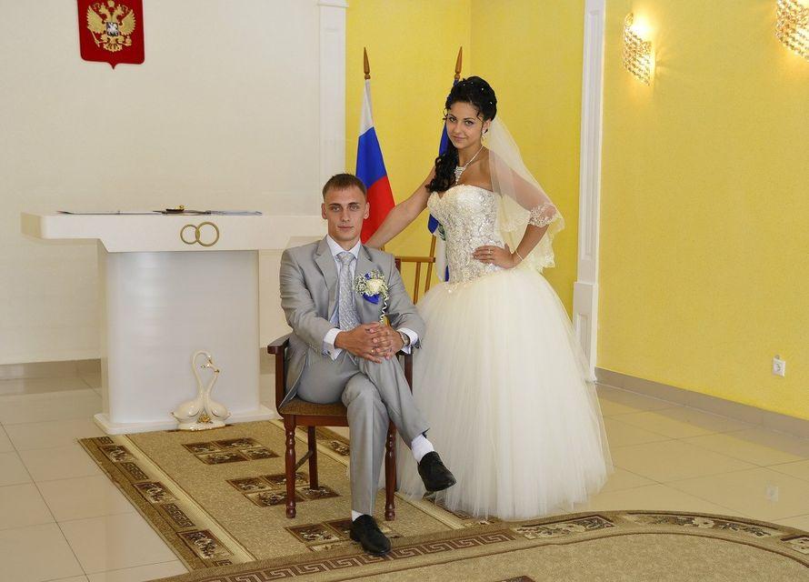 Платье с расшитым заниженным корсетом смотрится шикарно на невесте Виолетте!! - фото 14892632 Свадебный салон Юлии Савиной