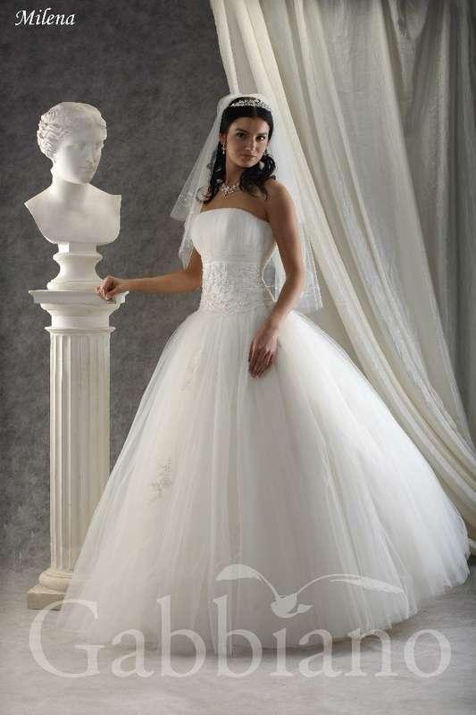 В наличии, размер 44 и 46-48, остались последние модельки,цена 14000р - фото 14892770 Свадебный салон Юлии Савиной