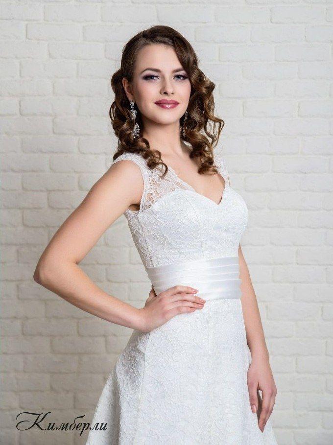 в наличии, цвет кремовый, размеры 44, 46 и 48, цена 14000р - фото 14892786 Свадебный салон Юлии Савиной