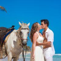 жених и невеста, съемка в Доминикане, поцелуй,  пляж Макао