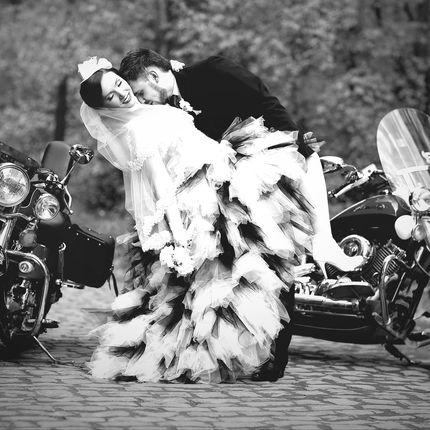 Сопровождение свадеб мотоциклами
