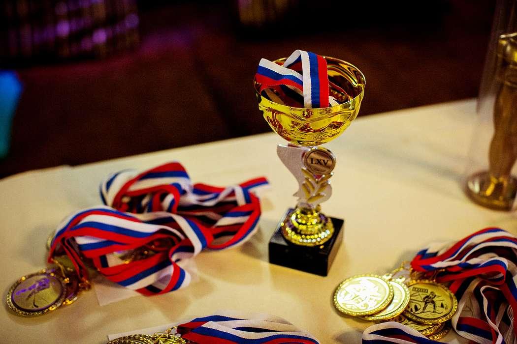 фото картинки кубков и медалей телефонов