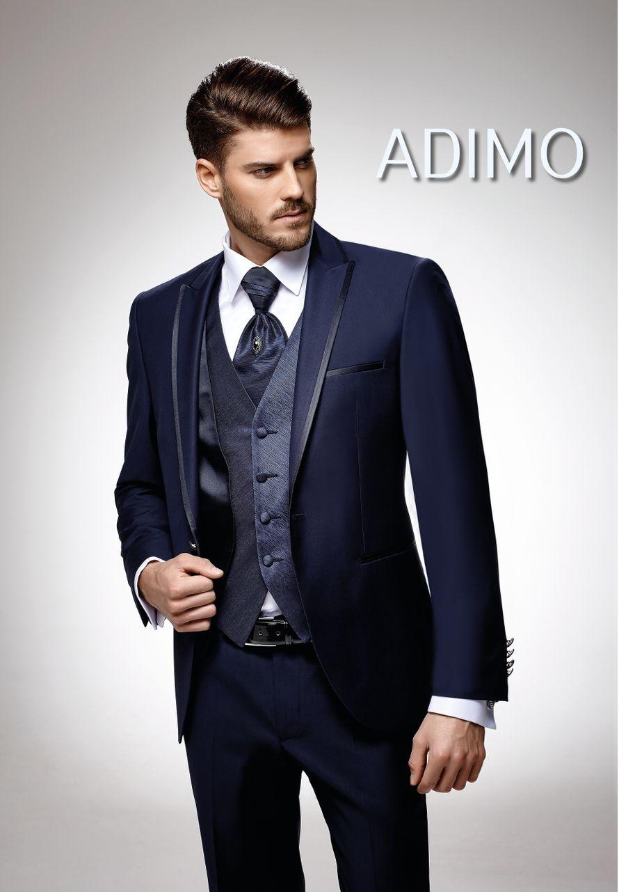 Мужской костюм-тройка тёмно-синего цвета