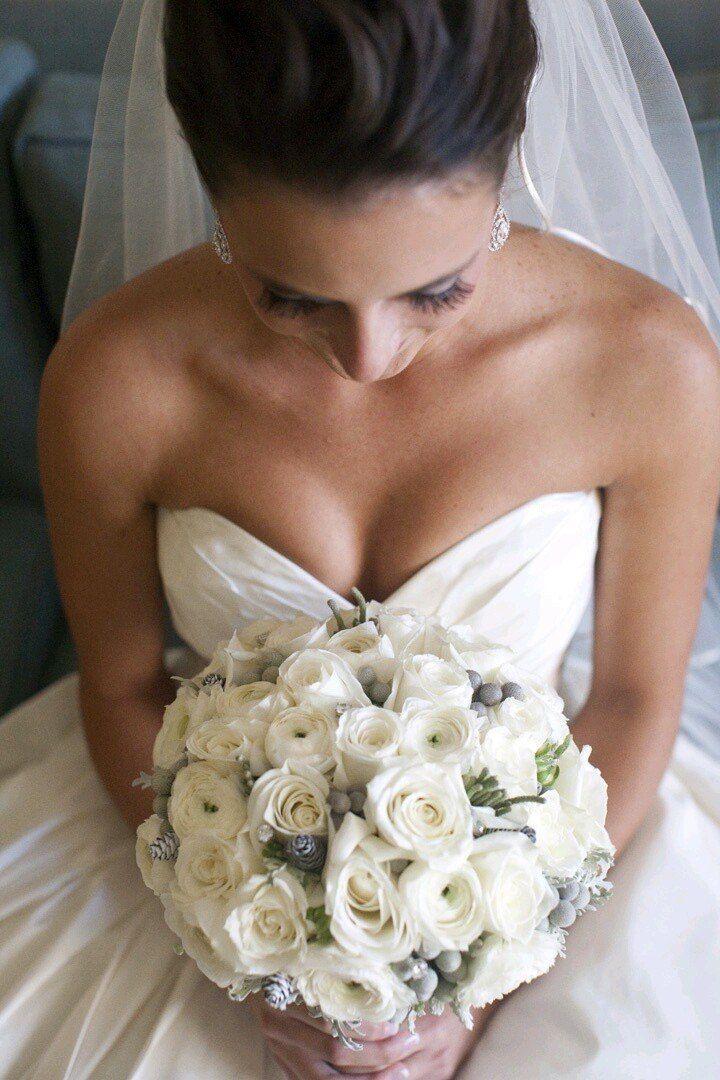"""Букет невесты в белых тонах. Зимний букет - фото 3556873 Цветочная лавка """"Лилея"""""""