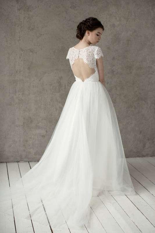 Больше фото:   Свадебное платье «Лейла» Цена: 34 900 ₽  Возможные цвета: - белый - молочный - нежно-розовый - жемчужно-кофейный - припыленно-сиреневый - припыленно-серый  При отсутствии в наличии нужного размера это платье может быть выполнено в размерах  - фото 16859080 Piondress - свадебная мастерская платьев