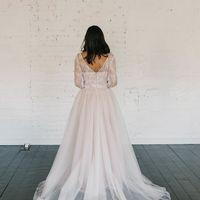 Больше фото:   Свадебное платье «Вилена» Цена: 38 900 ₽  Возможные цвета: - белый - молочный - нежно-розовый - жемчужно-кофейный - припыленно-сиреневый - припыленно-серый  При отсутствии в наличии нужного размера это платье может быть выполнено в размерах
