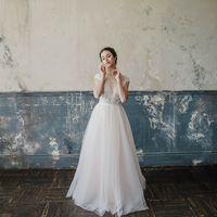 Больше фото:   Свадебное платье «Виктория» Цена: 40 900 ₽  Возможные цвета: - молочный - нежно-розовый - светло-персиковый - светло-кофейный - бежевый - припыленно-сиреневый - припыленно-серый  При отсутствии в наличии нужного размера это платье может быт