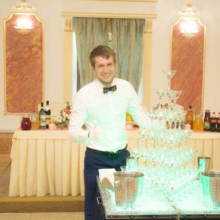 Пирамида шампанского на 56 бокалов