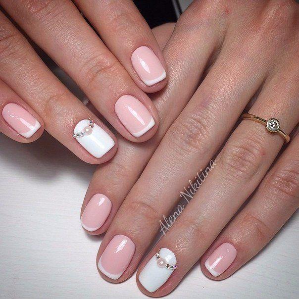 Нежный маникюр гель лаком на коротких ногтях