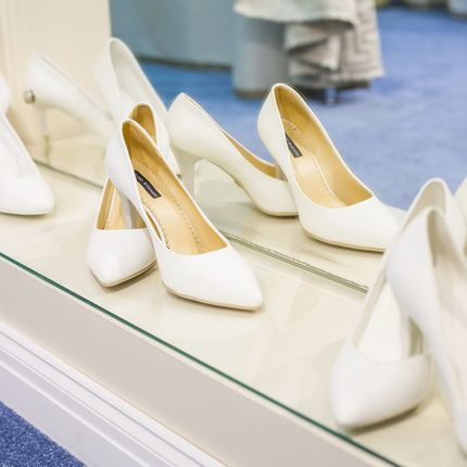 Свадебные туфли белого цвета