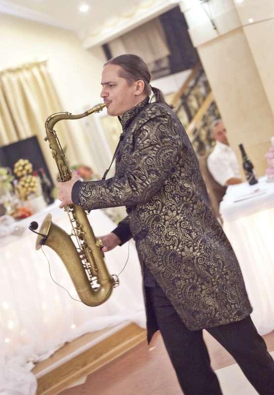 Фото 10850424 в коллекции Тимур Абитов Свадебные Фото - Саксофонист Тимур Абитов