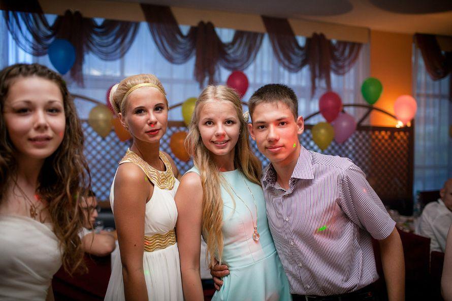 Фото 1871355 в коллекции Выпускные ))) - Ведущий Евгений Дегтярев