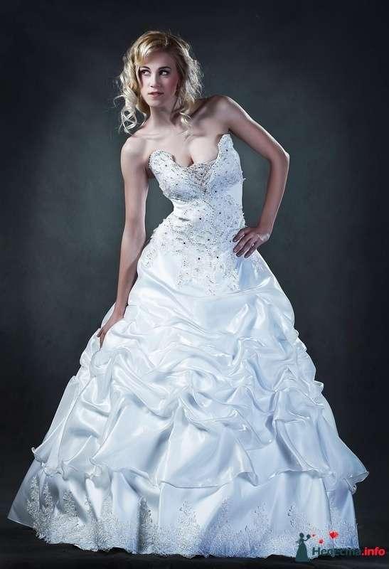 Белое платье ЛОДИ на корсете стразы, размер 44-46 цена 8000руб - фото 228068 Свадебные платья