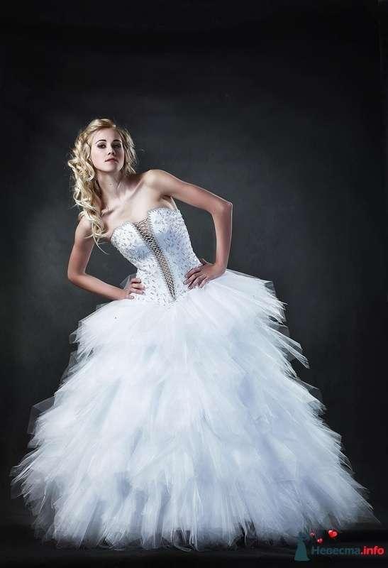 Пышное как облако платье РАВЕННА белого цвета, на корсете шнуровка и стразы, размер 44-46 цена 19000руб ПРОДАНО!!! - фото 228075 Свадебные платья