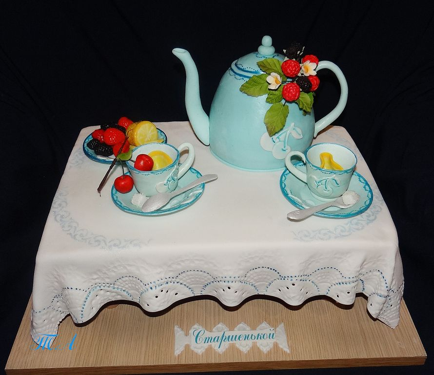 Фото украшенных тортов сливочным кремом