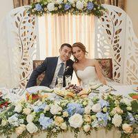 """3.10.15г. - наши жених и невеста среди оформления президиума в Банкет-холле """"Сохо"""" в Лужниках."""