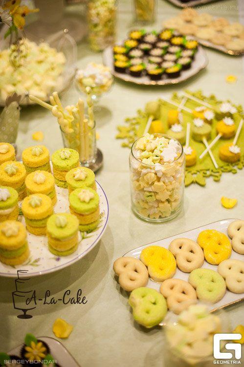 Кренделя в глазури , Мини безе,открытые мини тортики - фото 1773359 Надежда Алябьева - свадебные торты