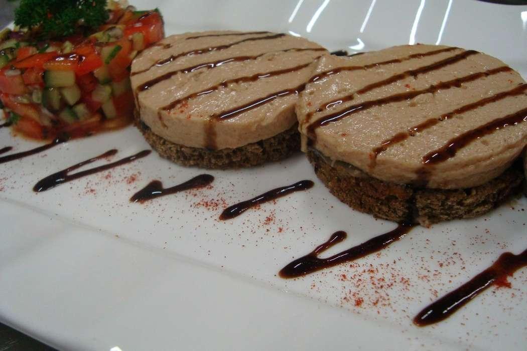 """печень трески с тартаром из свежих овощей - фото 6112701 Студия """"Комильфо"""" - организация мероприятий"""