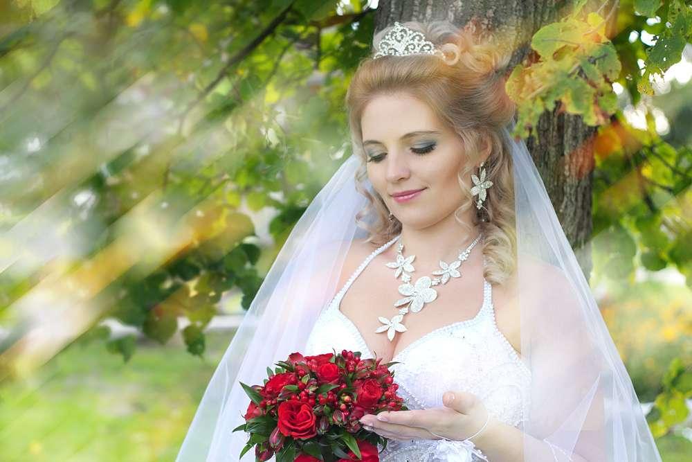 обрезаете дерева, фото невест про это оттенок подходит больше