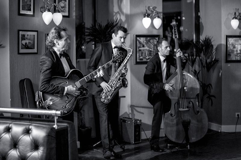 Джаз Кавер Трио Playtime. ДР  в ресторане Bouchon (ул.Бронная) - фото 4861327 Джаз-кавер-группа Playtime