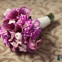 Розово-сиреневый букет невесты из астр, кал и ранункулюсов Lisa_Alex_W_0008