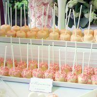 Персиковый, розовый и белый цвета