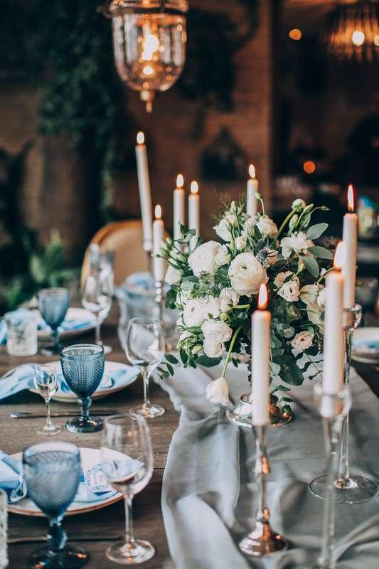 Очень уютное и стильное оформление банкета на уютной, камерной свадьбе. Невероятно красивое сочетание дерева и нежных цветов. Свечи создают неповторимую атмосферу! Концепция, декор, флористика Аня Малышева. Фото Марина Назарова. - фото 10236724 Фотограф Марина Назарова