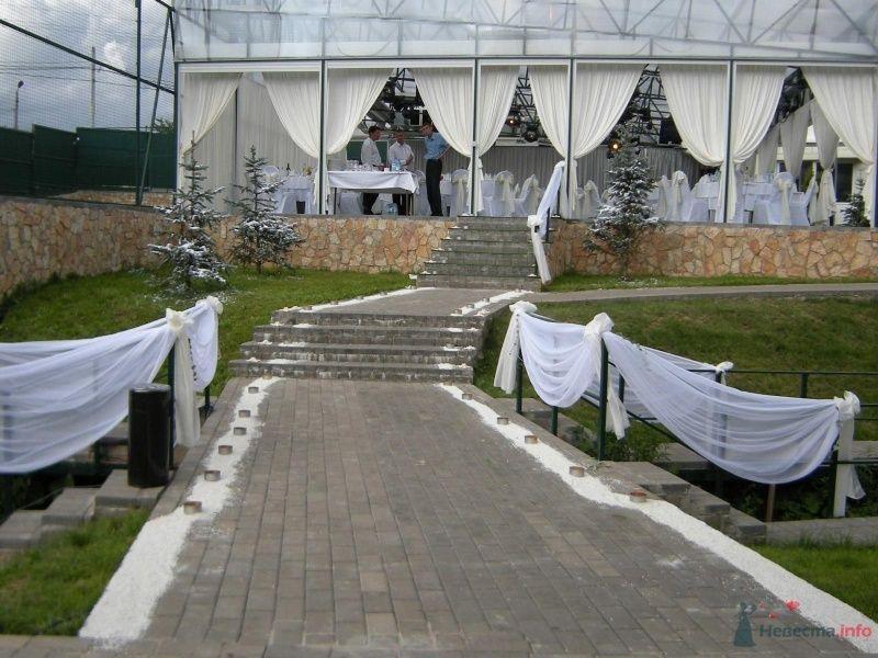 """Свадебное оформление входа в банкетный зал - фото 32158 Загородный клуб и отель и ресторан """"Juna-fish"""""""
