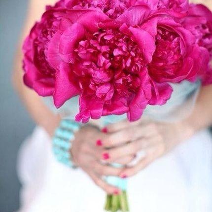 Декор свадьбы в цвете Фуксия