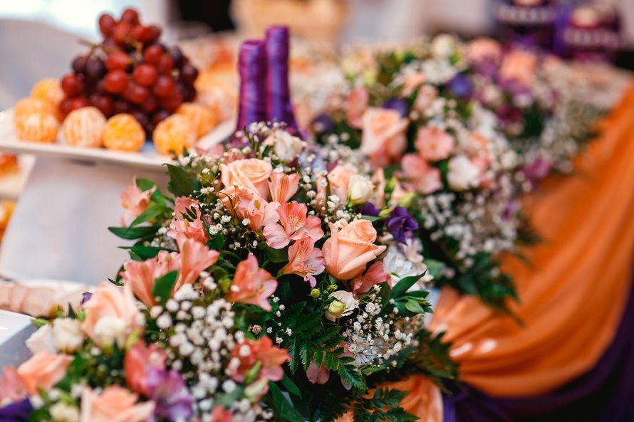 Цветочная композиция за главный стол! - фото 3914501 Фабрика праздников - организация торжеств