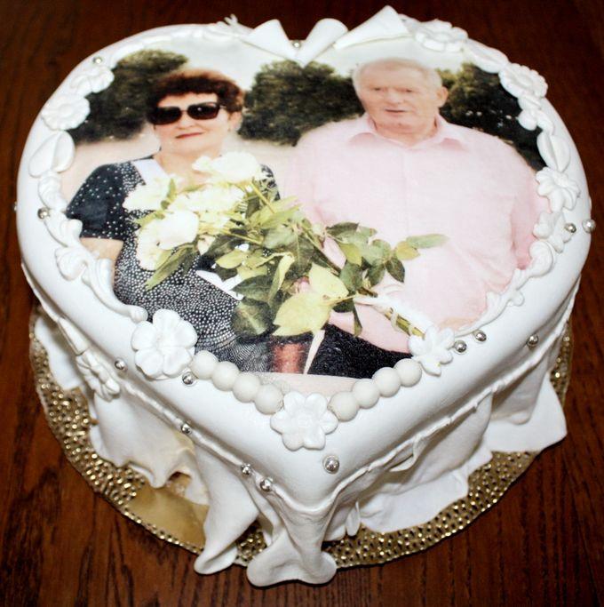 Эксклюзивный одноярусный свадебный торт фото