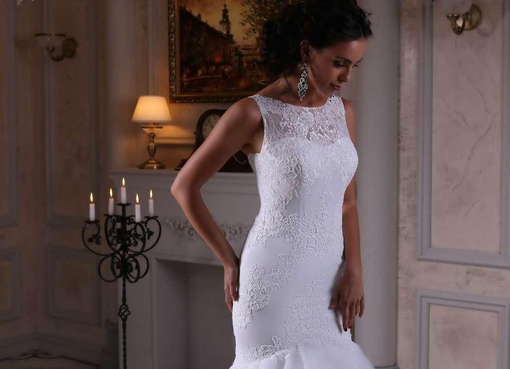 Платья свадебные с гипюром