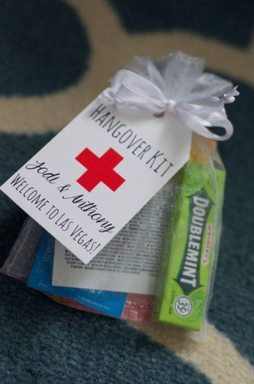 Подарки на свадьбу аптечка 984