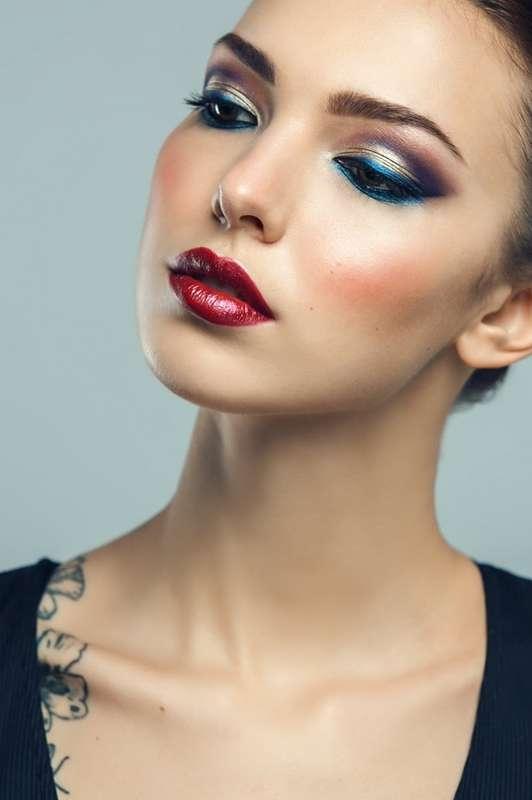 яркий цветной макияж - фото 17083158 Стилист-визажист Крашенинникова Елена