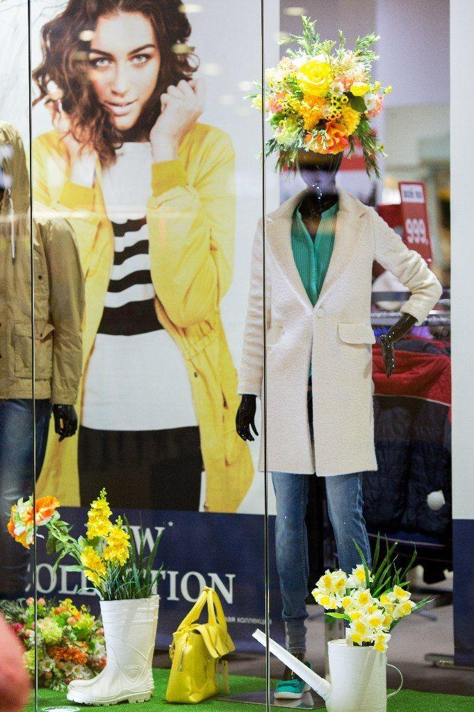 ТК ФИЕСТА. Витрина  магазина STOLNIK. Весна 2015 - фото 4192823 Мятный Лимон мастерская декораций