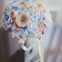 Нежный букет невесты с гортензией для воздушной свадьбы
