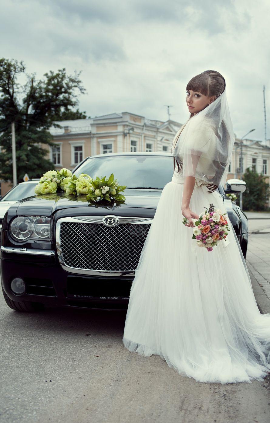 Chrysler 300C Черный- от 1000 до 1300 р/ч (с украшениями)  Chrysler 300C Белый - от 1300 до 1500 р/ч (с украшениями) - фото 4246891 LUXCar - аренда автомобилей