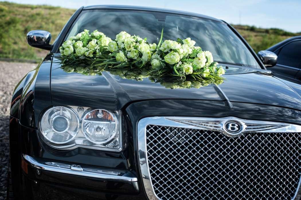Chrysler 300C Черный- от 1000 до 1300 р/ч (с украшениями)  Chrysler 300C Белый - от 1300 до 1500 р/ч (с украшениями) - фото 4246893 LUXCar - аренда автомобилей