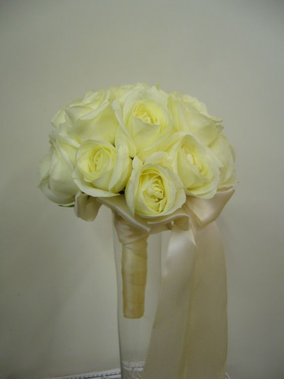 Сирени белая, волгоград свадебные букеты салоны волгоград