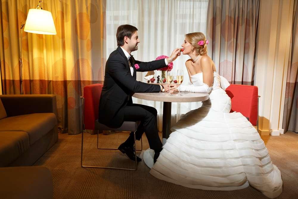 Отель для фотосессии свадьбы рекомендуется избавляться