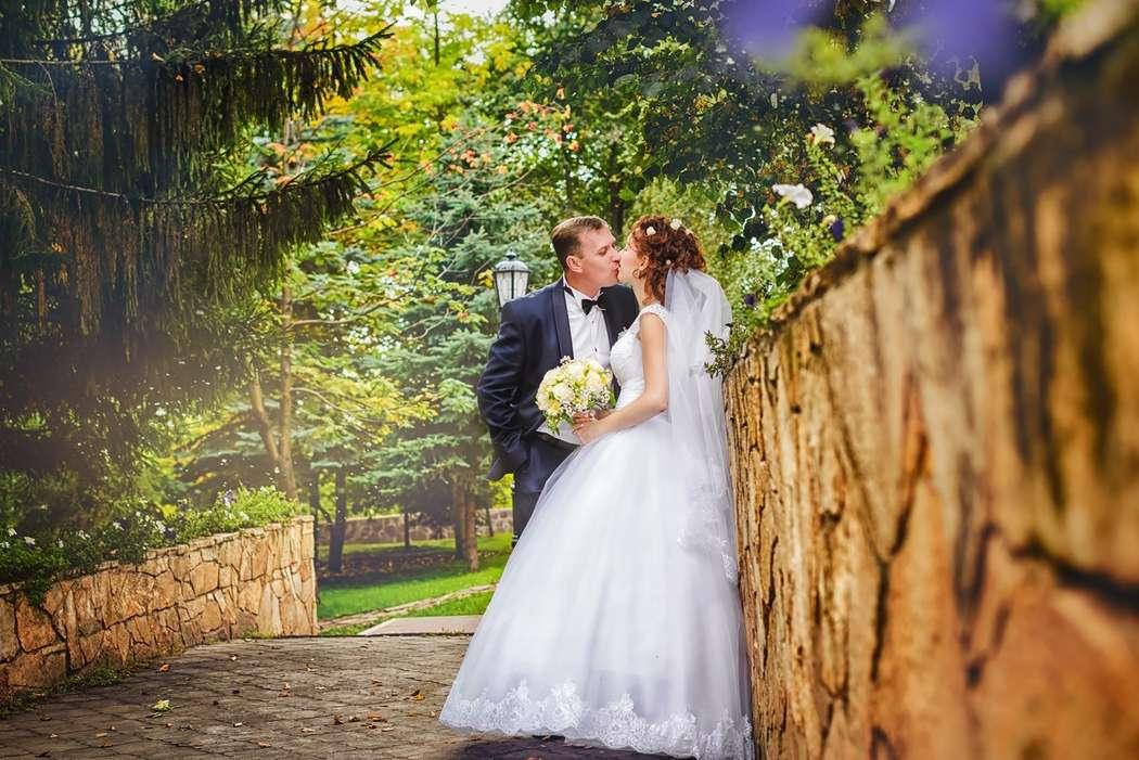 свадебные фотографы в уфе фотообои слева
