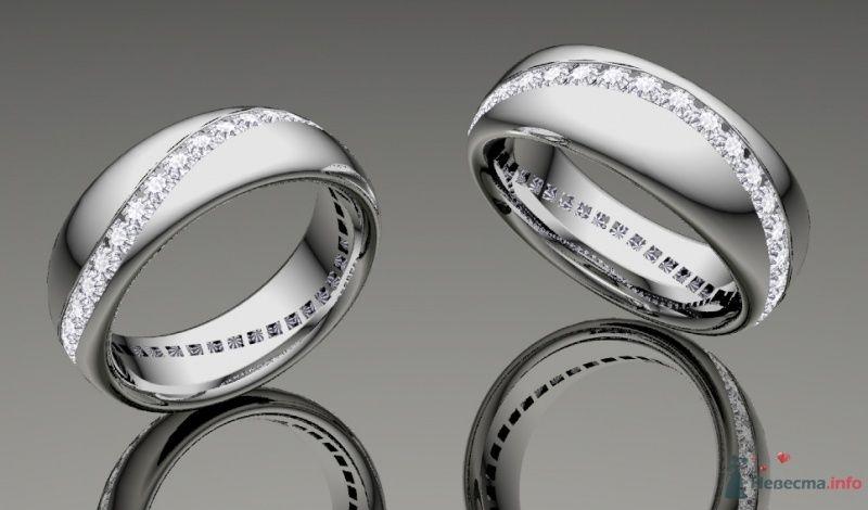 """Обручальные кольца из белого золота с россыпью драгоценных камней, на зеркальной поверхности. - фото 25546 Ювелирная мастерская """"Золотая модель"""""""