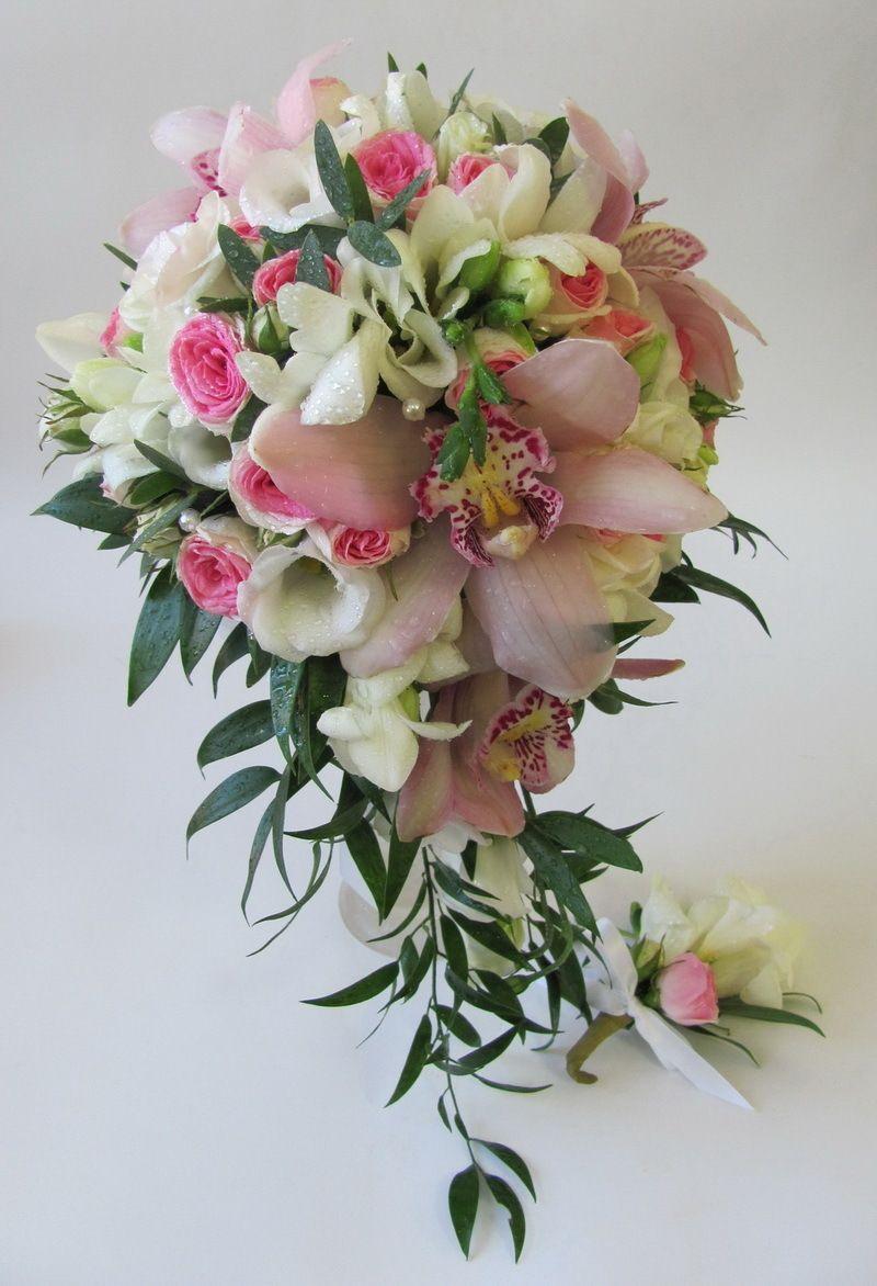 Букеты из орхидей лилий и роз фото