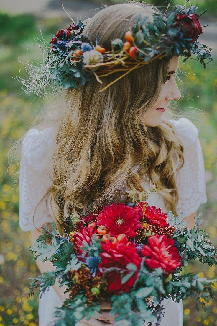 Венок с цветами фото
