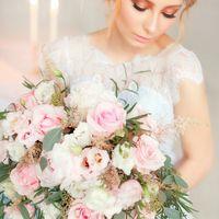 цветы, розовый, голубой, букет, платье, прическа, макияж, золотой