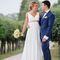 свадебная прогулка, фотограф в Москве, фотограф за границей, ищу фотографа, посоветуйте фотографа, зонт, кусково, европейская свадьба, идея для фотосессии, образ невесты, идея для свадьбы, прогулка в отдельный день, греческое платье, синий костюм, бабочка