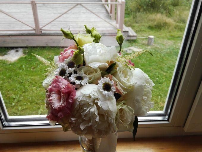 букет невесты, который просили сделать без торчащих элементов, все же сделали с торчащими.